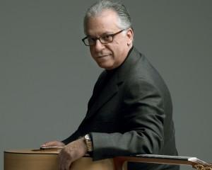 Pepe Romero Classical Guitarist